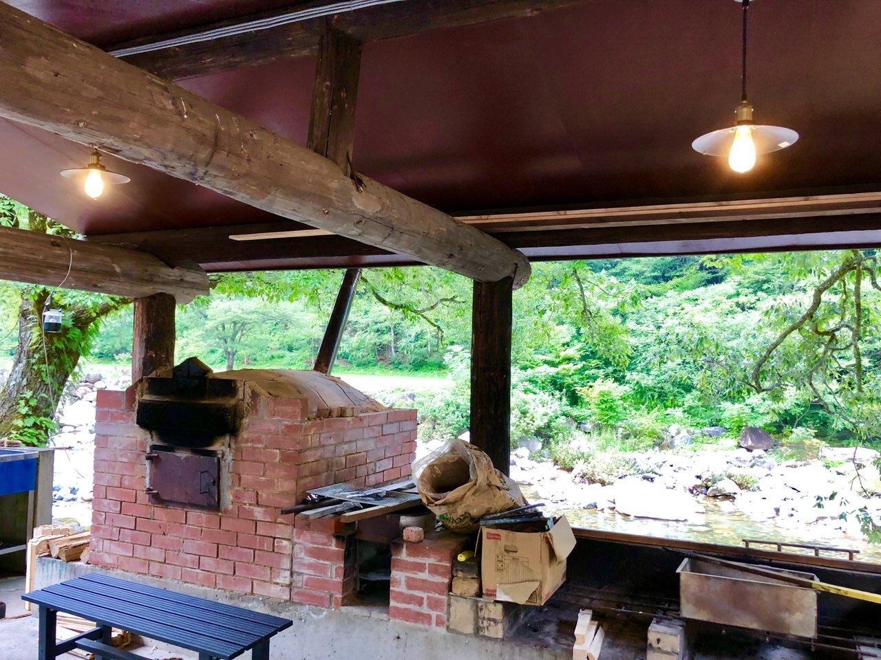 板取キャンプ場のピザ窯