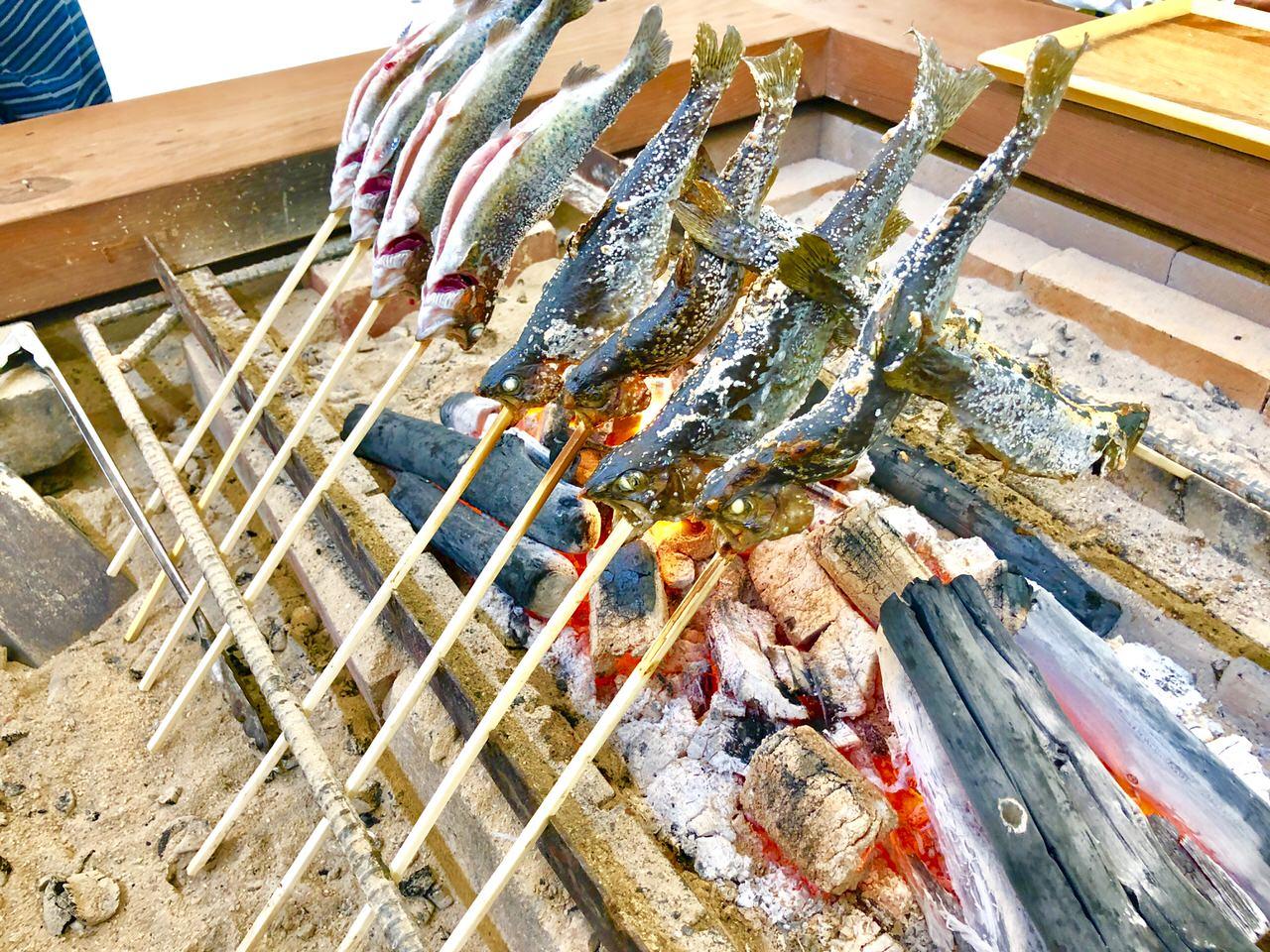 板取キャンプ場の魚の塩焼き