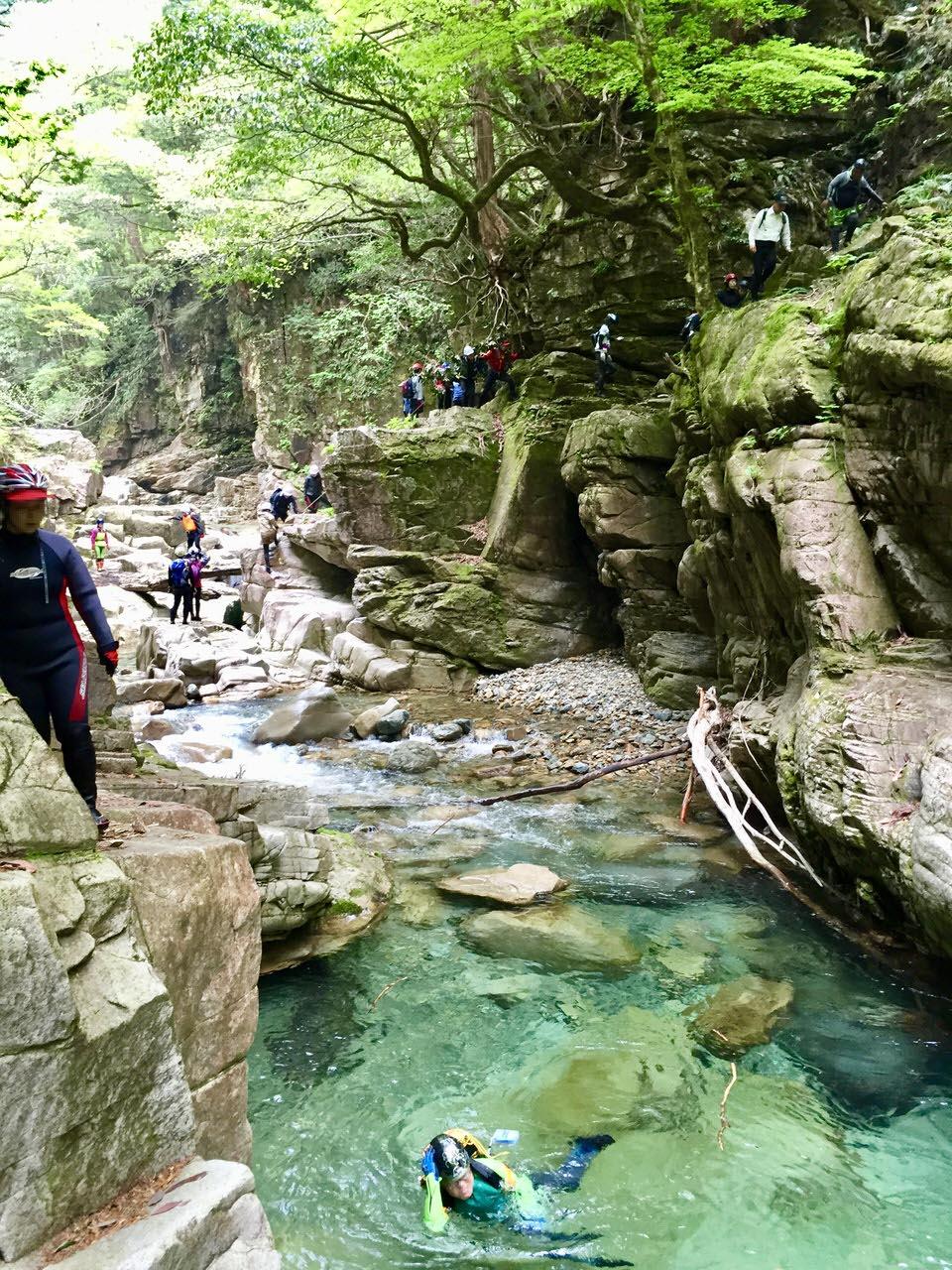 西ヶ洞の岩壁